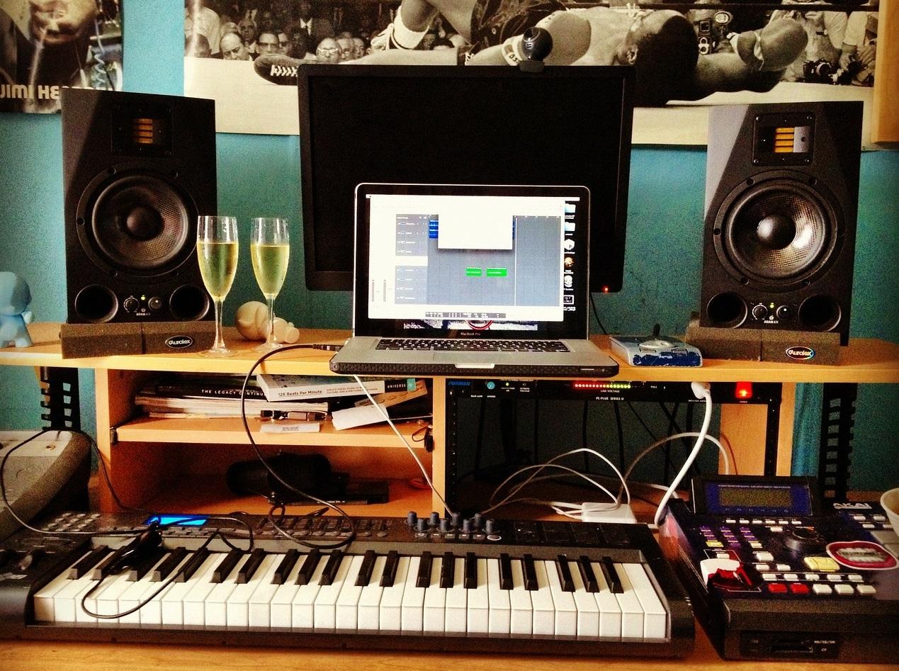 recording-255869_128000