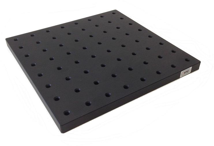 Aluminium Breadboard for LASER --ivic